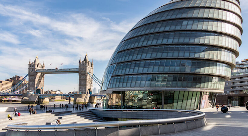 London's City Hall contract retained